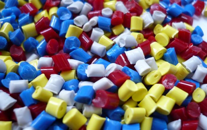 Kunststoffgranulat für den Spritzguss von Bauteilen aus Plastik